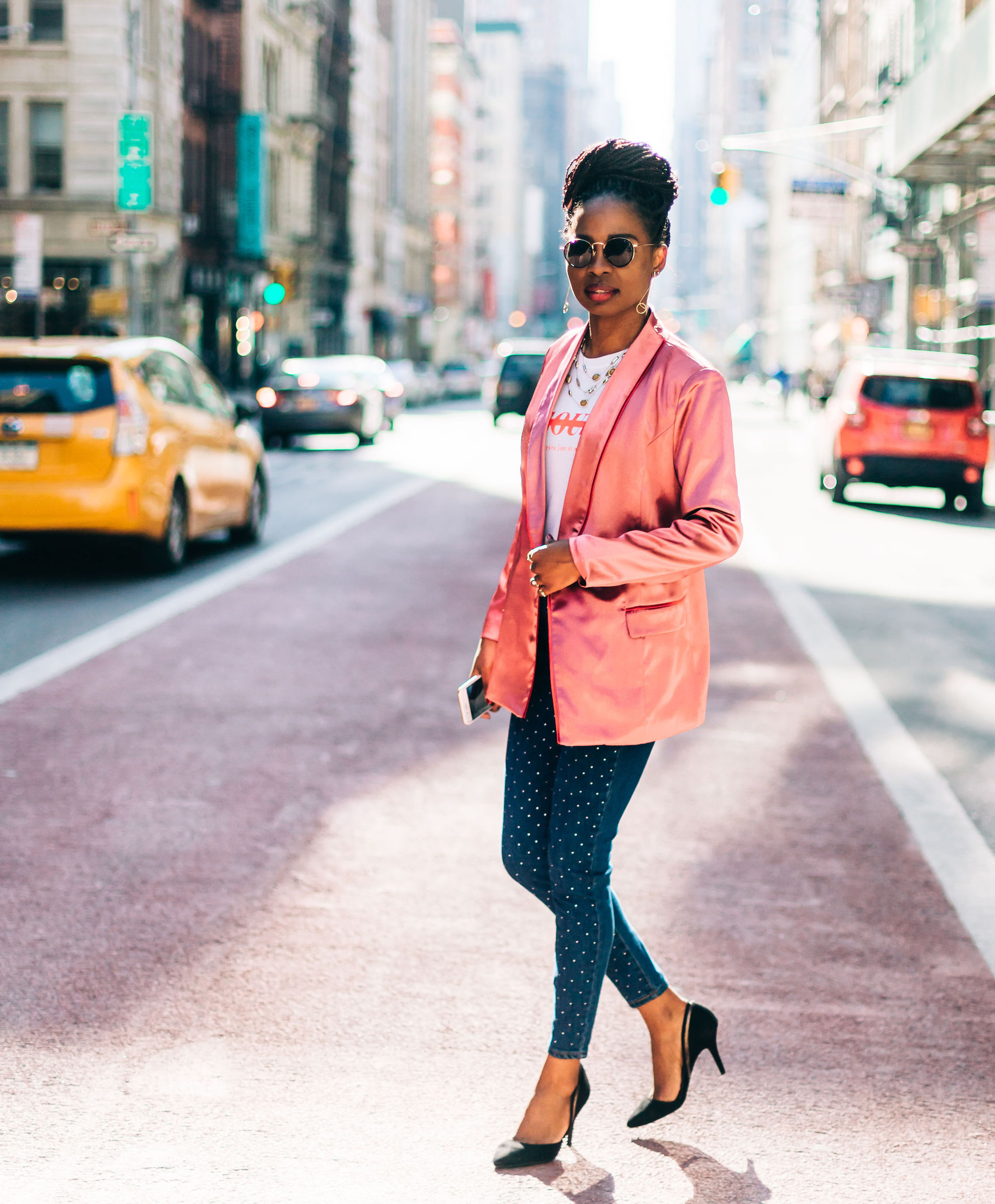 A CASUAL EDGE – How to Style Blazers & Jeans